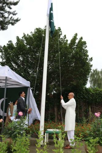 flag-hoisting